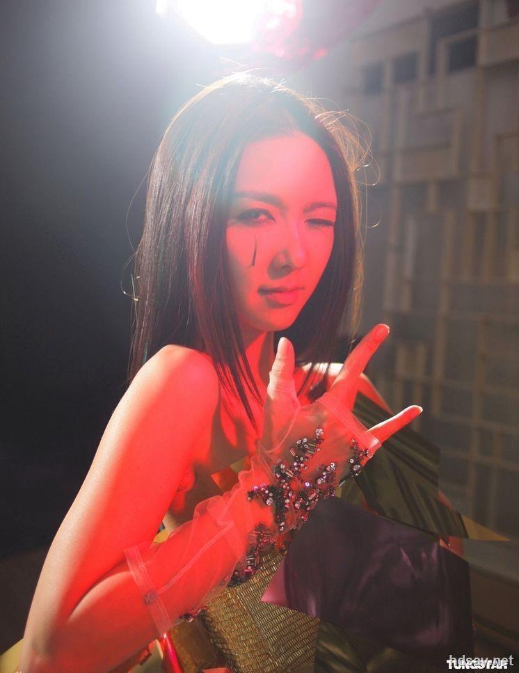 性感吴雨霏2011震撼红馆演唱会